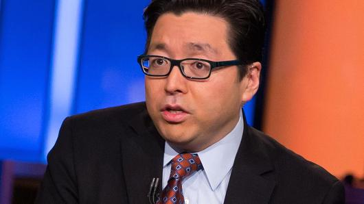 Despite Bitcoin Price Plunging, Bitcoin Bull Tom Lee Still Stands by $25000 Prediction