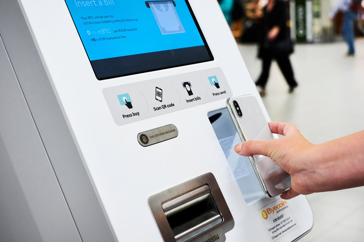 Amsterdam Schipol Airport Bitcoin And Ethereum Atms Exchange Euro S With