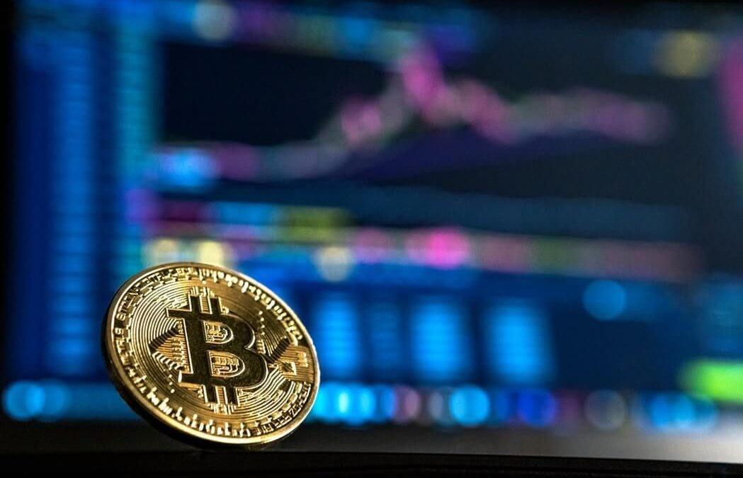 Top Cryptocurrencies Sees Strong Gain On Sunday, Bitcoin Rebounds To $8,000